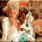 マリーアントワネット㉑ 映画『マリーアントワネット』 ソフィアコッポラ監督の作り上げた世界観が可愛すぎる!ドレスや靴、帽子などファッションの見どころをまとめてみました♪