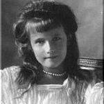 皇女アナスタシアの生涯① ロシア革命で処刑されたロマノフ家の四女。その容姿は美形?