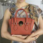 ヴィヴィアンウエストウッド福袋2019 中身ネタバレ&予約、通販・店舗法、お値段は?財布、バッグ、洋服…Vivienne Westwood激安GET情報ブログ♪